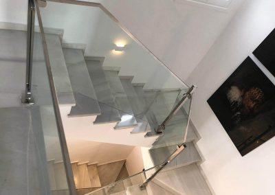 Escaleras de cristal, acabados de interior perpestiva Acristala2.com
