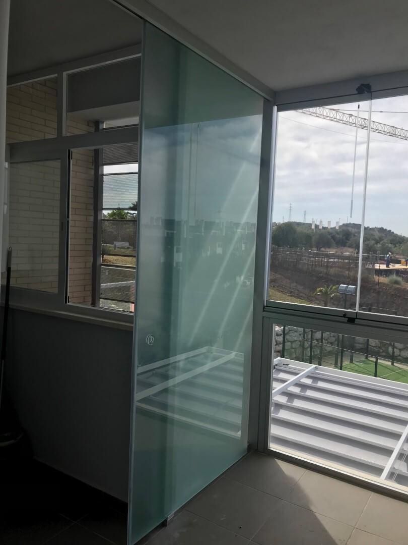 Terraza Cortinas Cristal antes de instalación